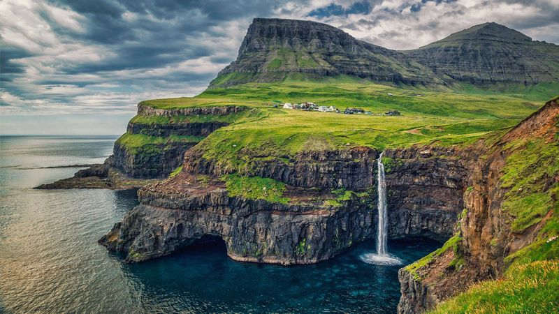 Is there a more picturesque landscape than that of the Faeroe Islands? Welcome to another world!