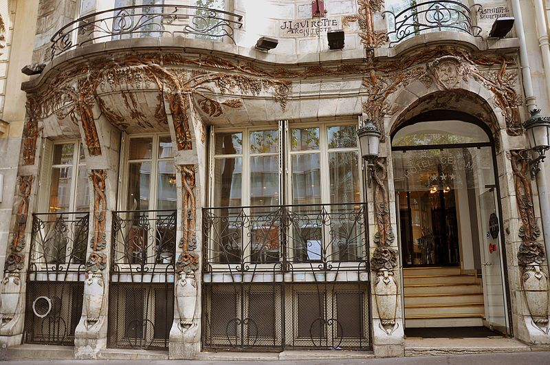The most famous art nouveau buildings in europe for Interieur art nouveau