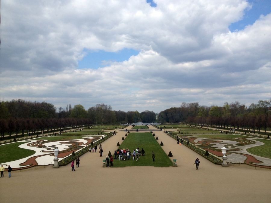 The garden of the Charlottenburg Palace is considered an important monument of landscape architecture. It was the earliest baroque-styled garden in Germany, which is characterised by lanes extending from the middle hail of the palace, flowerbeds shaped as fanciful ornaments, and the system of tree-lined avenues. Additionally, the garden is surrounded by a huge park, where you can easily lose all sense of direction.
