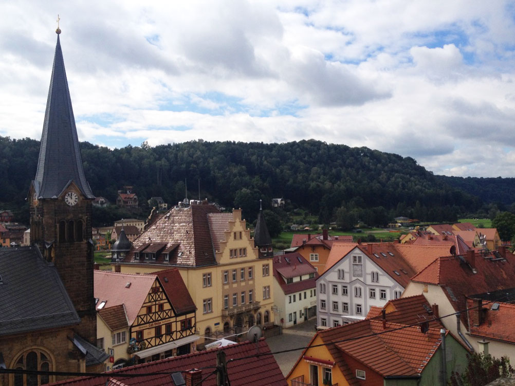 Stadt Wehlen: a small candy-looking town on the banks of the Elbe river with a super cute market square!