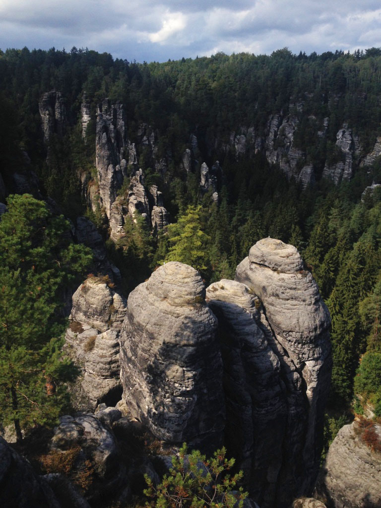 Located in Germany, on the border with the Czech Republic, Saxon Switzerland is one of Europe's most beautiful national parks, according to The Guardian. And indeed, the unusual landscapes of Sächsische Schweiz, as known in German, are so dramatically monumental that it's hard to remain indifferent.